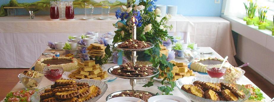 Herkkukeittiömme tarjoaa maukkaa ruoat ja leivonnaiset juhliin ja kokouksiin